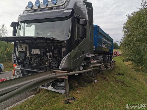 11.09.2020 Verkehrsunfall LKW vorne